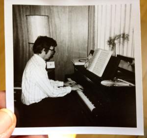THP-at.piano.1970s